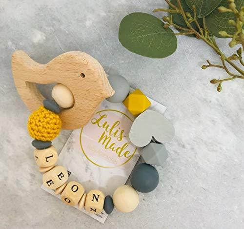 Greifling mit Namen Personalisiert Beißring Gehäkelte Babyrassel Häkeln Beißring Holz Greifling Geschenk zur Geburt oder Taufe Junge und Mädchen (G190010)