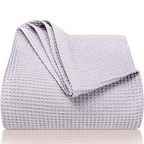 LAYNENBURG Premium Tagesdecke 220 x 240 cm XXL - Waffelpique 100% Baumwolle - leichte Sommerdecke - Baumwolldecke als Bett-Überwurf, Sofa-Überwurf, Couch-Überwurf - luftige Sofa-Decke (grau)