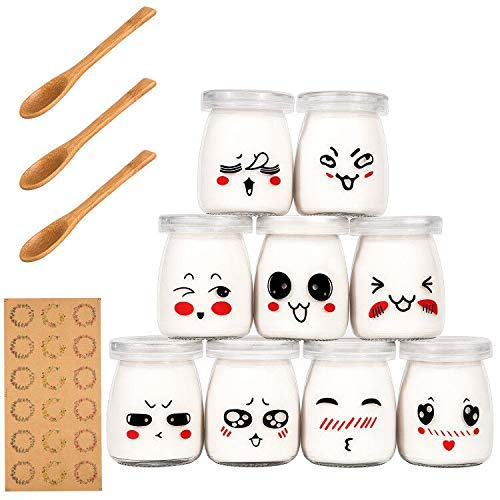 Yangbaga 9 Pot Yaourt en Verre avec Couvercles Décor émoticône et Cuillère en Bois, Bocal Crème Dessert Contenance 100 ML …