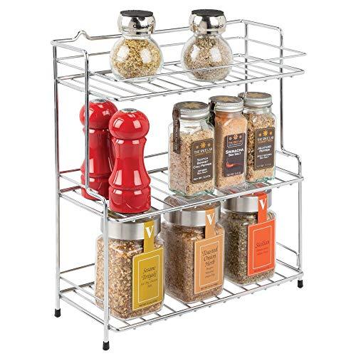 mDesign Gewürzregal – kleines Standregal mit 3 Ebenen aus Metall für Küche oder Bad – freistehendes Küchenregal für Gewürze, Tassen Vorratsdosen etc. – silberfarben
