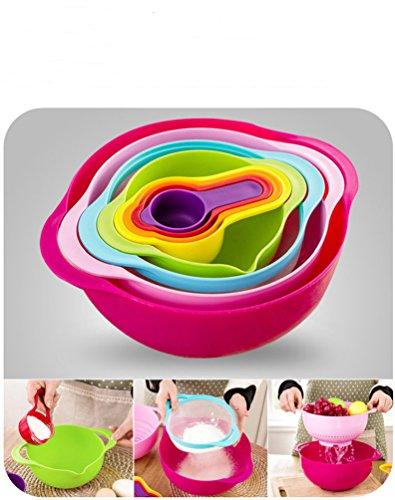 PerPor 8 Piece Rainbow Baking Kitchen Set Tools-Measurable Bowl,Nylon Sieve,Large bowl,Colander Bowl,Measurable Cups(1-cup, 1/2-cup, 1/3-cup, and 1/4-cup) Random Color