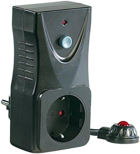 revolt IR Steckdose: Fernbedienbare Steckdose mit lernfähigem Infrarot-Sensor (Standby Schalter)