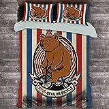Bear Hotel - Juego de cama de lujo, diseño de oso de circo en bicicleta, diseño de carnaval con sombrero sobre rayas de poliéster, suave y transpirable (King), color azul rubí