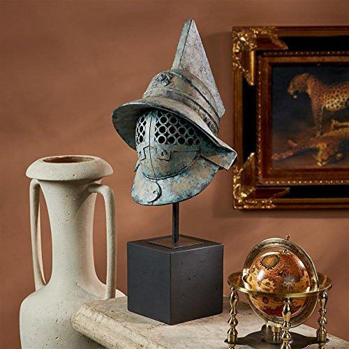 Design Toscano Ancient Roman Pompeii Helmet Antiker römischer Gladiatoren-Helm aus Pompei, Skulptur, Metall, Grün, 37 x 29 x 73.5 cm