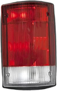 OE Replacement Ford Econoline Van/Excursion Passenger Side Taillight Assembly (Partslink Number FO2801114)