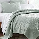 Amazon Brand – Stone & Beam Vintage-Inspired Floral Embroidery Coverlet Set, Full / Queen, 90' x 90', Teal
