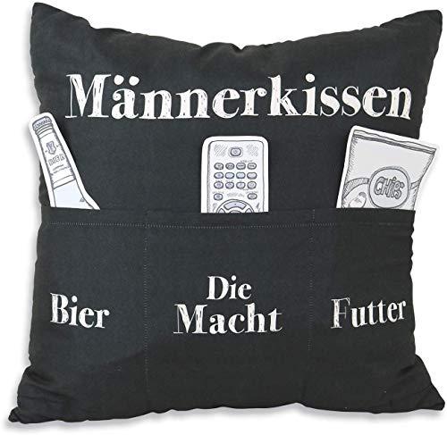 Bavaria Home Style Collection Endlich ist das Männer Kissen da - Deko Couch Sofa Kissen Zierkissen Kuschelkissen ca 40 x 40 cm Männerkissen - Geschenk Idee zu Ostern Geburtstag Muttertag