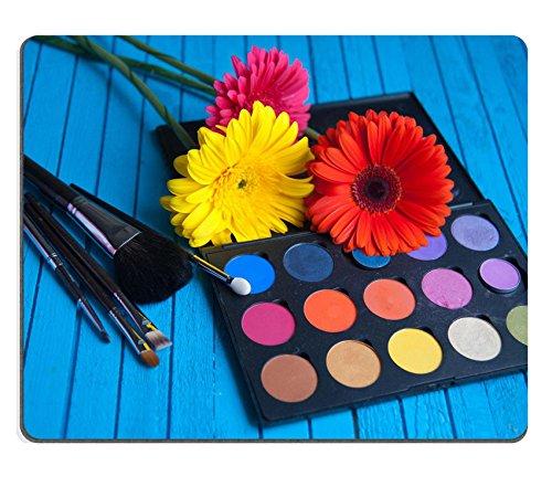 Luxlady Gaming Mousepad ID: 41191162 oogschaduw Palet borstels en bloem op een blauwe tafel