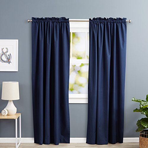 Amazon Basics - Cortinas opacas con aislamiento térmico y alzapaños, 1 unidad, 135 x 244 cm, Azul marino