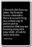 Regina King - Imán para nevera con citas con texto en inglés'I learned a lot from my Mom. My Favor', negro