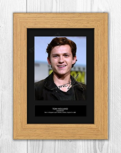 Star Prints UK Tom Holland Spiderman 1 MT - Foto de reproducción de autógrafo firmada, tamaño A4