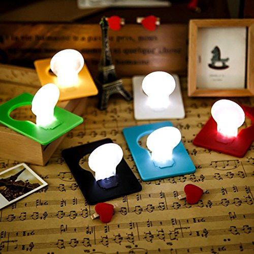 Xshuai Qualitäts-heiße Verkaufs-5X Mini-Mappen-Taschen-Kreditkarte-Größen-Portable 8.4 * 5.3cm LED-Nachtlicht-Lampen-Birnen niedlich (Zufällig)
