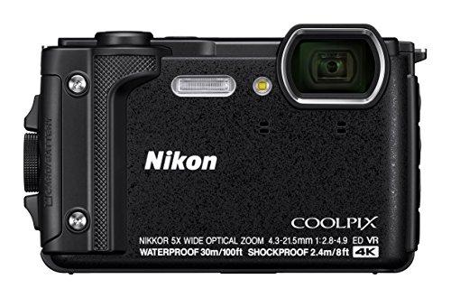 'Nikon vqa070K001–Fotocamera digitale compatta W300da 16MP, Schermo LCD da 3, Video 4K FHD, tecnologia AF nero–Kit Holiday con zaino impermeabile