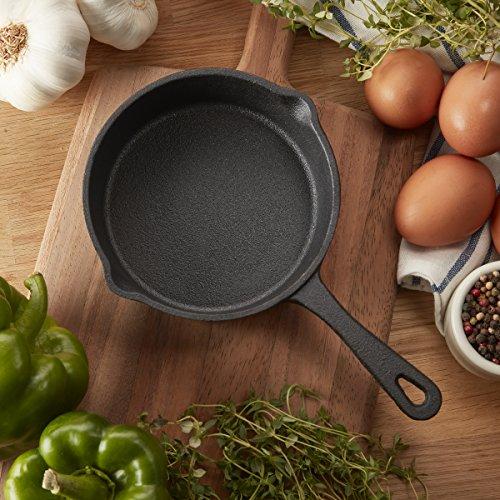 Product Image 1: 5.4 inch (13.7cm) pre-seasoned cast iron skillet