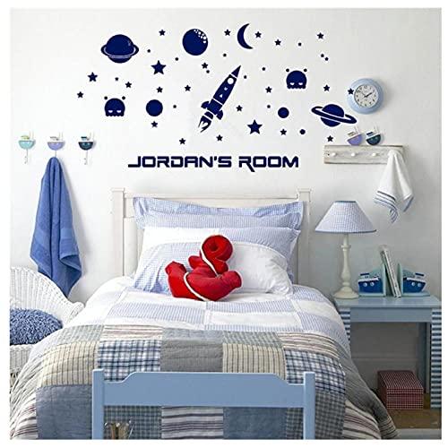 KBIASD Etiqueta de la pared del espacio exterior Cohete y estrellas con nombre personalizado para la habitación del niño Espacio Arte de la pared del cuarto de niños Decoración del hogar 85X46CM