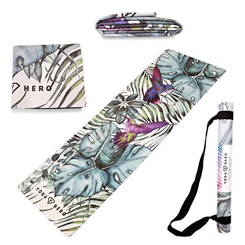 Yoga Hero Reisematte | Travel Yoga Mat | Handtuch, Faltbar, rutschfest, 3-in-1 | Natürlich und Umweltfreundlich | Gratis Tragegurt für Reisen (Jungle)