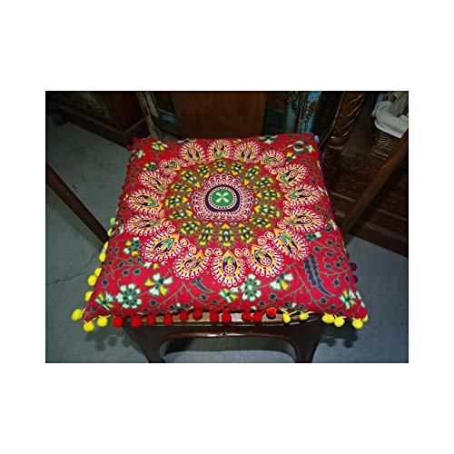 int. d'ailleurs - Pastel de algodón Rojo con Pompones 37x37 cm - GAL046