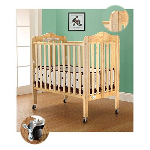 Portable Crib in Natural Finish