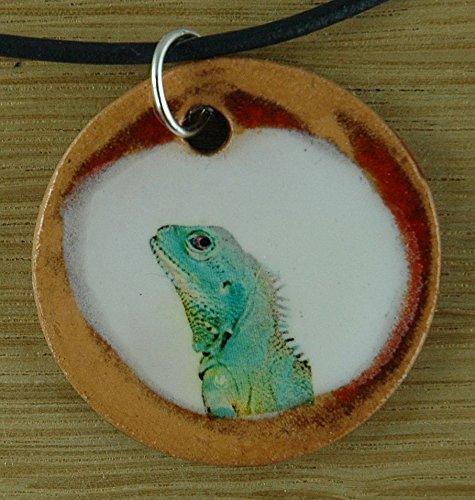 Echtes Kunsthandwerk: Toller Keramik Anhänger mit einem Leguan; Reptil, Echse, Tier