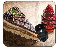 ネオプレンの裏付けが付いているコンピュータマウスパッドのペストリーチョコレートいちごのケーキ008