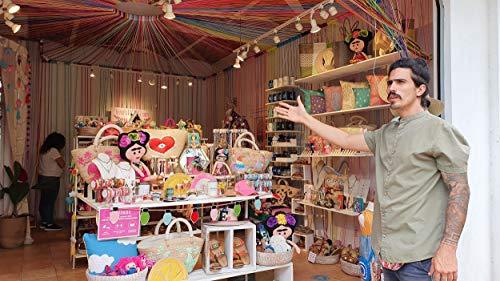 Shopping in Sayulita for artisan...