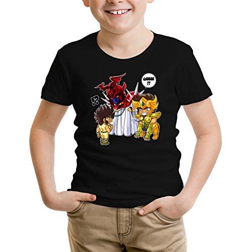 Okiwoki T-Shirt Enfant Noir Saint Seiya parodique Aiolia Chevalier d'or du Lion et Seiya de Pégase : Les Rues du Sanctuaire de Plus en Plus Mal fréquentées. (Parodie Saint Seiya)