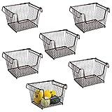 mDesign Juego de 6 cestas organizadoras multiuso – Cestas metálicas apilables, abiertas y con asas para un cómodo transporte – Organizadores de cocina y despensa – bronce