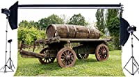 新しいビニール7X5FT春の背景素朴な郡庁舎ヴィンテージ古い木材ファーム車つるキャストジャングルフォレスト緑の草草原写真の背景子供大人屋外ピクニック写真スタジオ小道具556