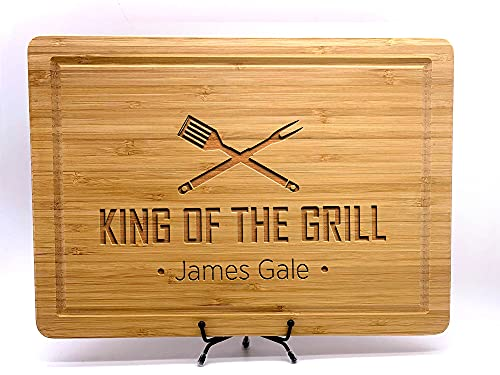 King of the Grill, Cutting Board, Personalized Cutting Boards for Men and Dad, Fathers Day or Dad's Birthday Gift, Custom Cooking Gift, BBQ Gifts, Kitchen Gift, With Apron and Display Stand