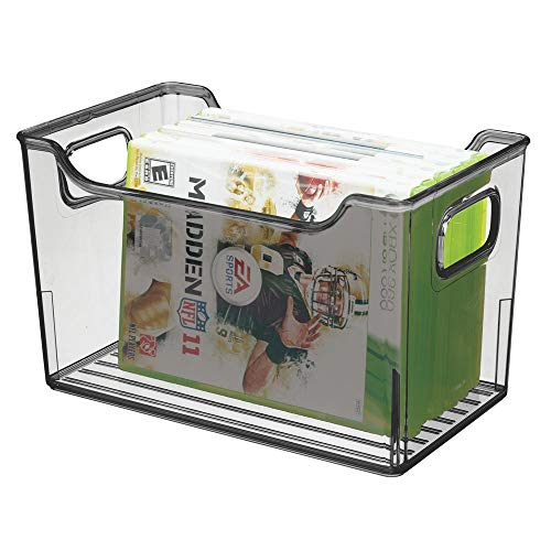 mDesign Scatola portaoggetti con manici – Portatutto in plastica – Contenitore trasparente multiuso per cucina, bagno, camera, armadio o ufficio – Grigio fumo