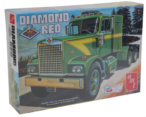 AMT 1:25 Scale Diamond Reo Tractor Model Kit -  AMT719