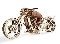 UGEARS Motorrad Modellbausatz - Holz DIY Technisches Modellbau Projekt - Bike VM-02 mit Gummibandmotor - Für Fahrzeug Liebhaber und Biker – Sperrholz Modell mit Breitem Hinterrad - Edle Geschenkidee