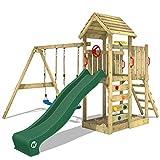 WICKEY Parco giochi in legno MultiFlyer tetto in legno, Giochi da giardino con altalena e scivolo verde, Casetta da gioco per l'arrampicata con sabbiera e scala di risalita per bambini