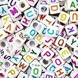 BAKHK 800 Stück Buchstabenperlen Alphabet Buchstaben Perlen mit Bunte Perlen zum Kinder basteln für DIY Halskette, Armband,kunsthandwerkliche Geschenk