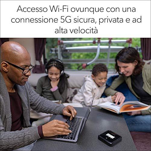 NETGEAR Nighthawk Router 5G Wifi 6 MR5200, Router WiFi Portatile, Velocità WiFi 6 fino a 1.8 Gbps, connetti fino a 32 dispositivi, rete wireless sicura ovunque