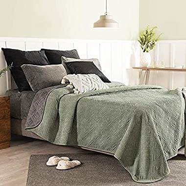 Olive Green Reversible Novo Comforter with Special Quilt Queen XL Size Soft and Warm