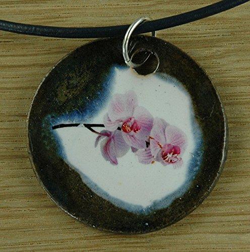 Echtes Kunsthandwerk: Schöner Keramik Anhänger mit einer Orchidee; Blume, Zimmerpflanze, rosa, pink