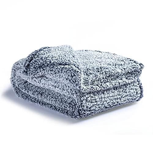 Bedsure Manta Sofa Grande Sherpa - Manta Cama 90 Invierno con Felpa Polar, Sobrecama 150x200 de Microfibra Suave y Gorda, Azul Marino
