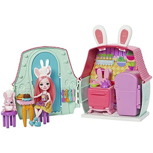 Enchantimals Bree Bunny con Casita de campo, muñeca conejo con mascota, casa de juguete y accesorios (Mattel GYN60)