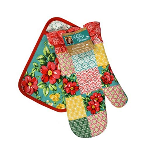 Oven Mitts by Pioneer Women and Pot Holders