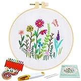 Pllieay Kit de inicio de bordado de gama completa con patrón e instrucciones, ropa de bordado blanco con patrón floral, aros de plástico bordado, hilos de color y herramientas