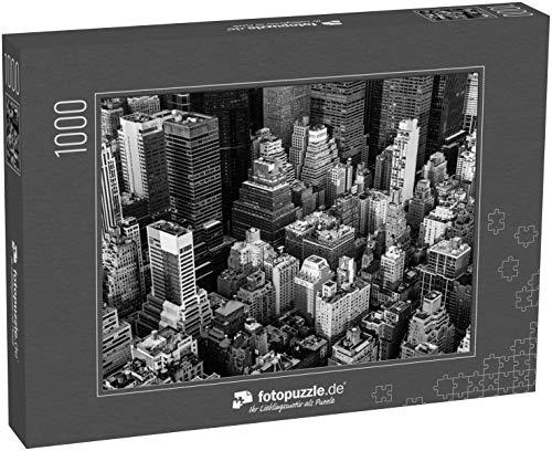 fotopuzzle.de Puzzle 1000 Teile New York City Manhattan Luftaufnahme schwarz-weiß mit Wolkenkratzern und Straße