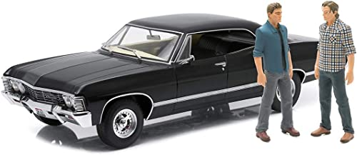 Supernatural 1967 Chevrolet Impala Sport Sedan 1 18 Scale Die-Cast Metal Vehicle With Sam And Dean Figures