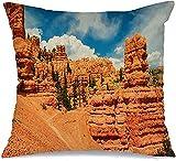 Throw Pillow Cover Funda de cojín, Park Red Mountains Canyons Outside Bryce Canyon National Nature Desert West Parks Outdoors Outdoor Funda de Almohada para Exteriores