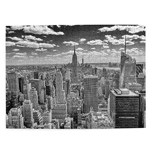 Talla Mediana Rompecabezas 500 Piezas,NUEVA YORK - CIRCA MAYO 2013 El horizonte de Nueva York dominado por el Empire State Building,Circa,Juego Familiar Decoración Colgante del Hogar,20.4' x 15'