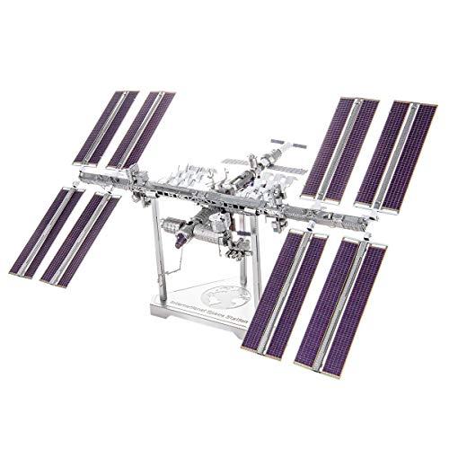 METAL EARTH MAQUETA / PUZZLE 3D De metal. - INTERNATIONAL SPACE STATION - Monta tus modelos favoritos en casa. (ICX140)