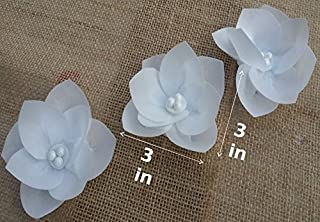 3D Edible Rice Paper Flowers for Cake Decoration, Cupcake Toppers, Set of 3, White Color.