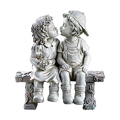 MERIGLARE Estatua de Niño y Niña,Escultura de Resina Besos Figuras Románticas de Parejas Amor de Infantil Decorativa para Jardín Patio Estanque Césped Camino Banco Decoración
