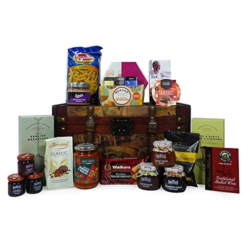 """Delicious Gourmet Food Gift Hamper """"Family Foodies"""" 23 Items Presented in a Vintage Style Keepsake Chest - Gift Ideas for Christmas, Birthday Presents, Anniversary, Him, Her, Business and Corporate"""