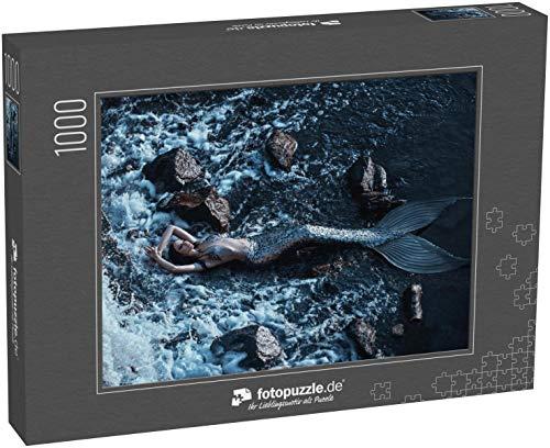 Puzzle 1000 Teile echte Meerjungfrau posiert entspannende Ruhe an der Küste - Klassische Puzzle, 1000 / 200 / 2000 Teile, edle Motiv-Schachtel, Fotopuzzle-Kollektion 'Fabel_Fantasy'